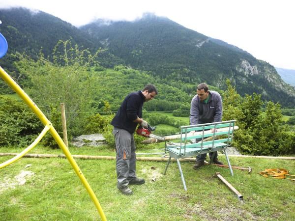 trabajando en la valla